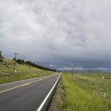 Vägspring in i avståndet Fotografering för Bildbyråer
