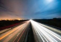 Vägtrafik på natten Royaltyfria Foton