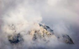 Väldiga berg Fotografering för Bildbyråer
