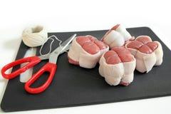 välfylld veal för escalopesförberedelse Fotografering för Bildbyråer