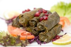 Välfylld vinrankasidaplatta, libanesisk kokkonst Arkivfoton