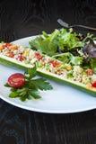 Välfylld zucchini för Quinoa Royaltyfri Foto