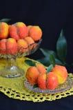Välfyllda persikor Fotografering för Bildbyråer