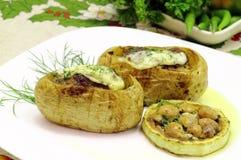Välfyllda potatisar Arkivbild