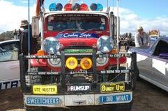 Välj upp lastbilen. Arkivfoton