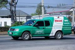 Välj upp lastbilen av det Unipest företaget Arkivbilder