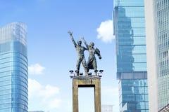 Välkommen monument med bakgrund för blå himmel Arkivfoto