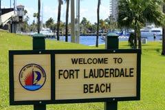 Välkommet tecken för Fort Lauderdalestrand arkivbilder
