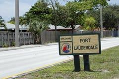 Välkommet tecken för liten Fort Lauderdale Royaltyfria Bilder