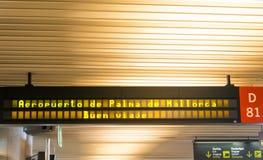 Välkommet tecken på flygplatsen arkivfoto