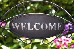 Välkommet underteckna in trädgården Royaltyfri Foto