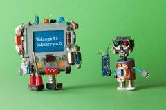 Välkomna till bransch 4 system för 0 robotic cyber, smart teknologi och automationprocessen Abstrakta elektroniska leker med Royaltyfri Bild