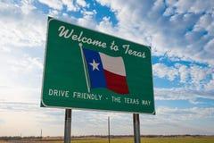 Välkomna till Texas vägmärket arkivbild