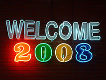 välkomnande 2008 för neontecken Royaltyfri Foto