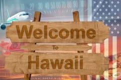 Välkomnande till den Hawaii staten i USA tecknet på trä, travelltema Fotografering för Bildbyråer