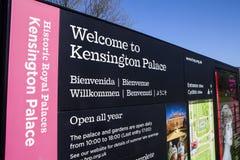 Välkomnande till den Kensington slotten Royaltyfria Foton