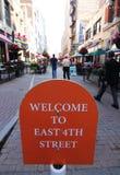 Välkomnande till den 4th gatan för öst, Cleveland, Ohio Fotografering för Bildbyråer