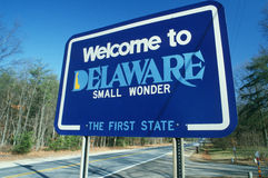 Välkomnande till det Delaware tecknet arkivfoton
