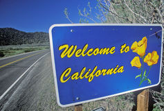 Välkomnande till det Kalifornien tecknet Arkivbild