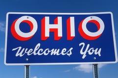 Välkomnande till det Ohio tecknet Royaltyfri Foto