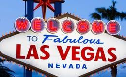 Välkomnande till det sagolika Las Vegas tecknet Royaltyfri Bild