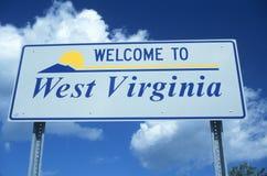 Välkomnande till det West Virginia tecknet royaltyfri bild