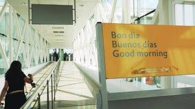 Välkomnande till flygplatsen i Barcelona, Bon Dia, Buenos diameter, bra morgon arkivfilmer