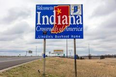Välkomnande till tillståndet av Indiana - Roadsign längs mellanstatliga 70 in mot St Louis, MO Arkivbilder