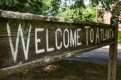 Välkomnandet till det Atlanta tecknet på den linjära Olmsteden parkerar Royaltyfria Foton
