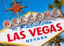 Välkomnandet till Las Vegas Nevada undertecknar på en solig eftermiddag Arkivfoton