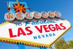 Välkomnandet till Las Vegas Nevada undertecknar på en solig eftermiddag Arkivbilder