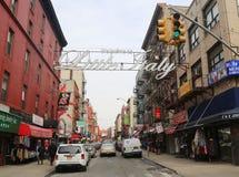 Välkomnandet till lilla Italien undertecknar in Lower Manhattan Arkivfoton