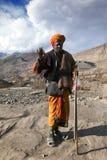 välsignelsen ger indisk sadhu arkivfoton