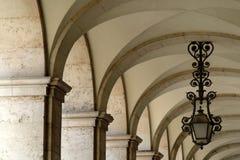 välva sig arkitektoniskt royaltyfri foto