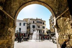 Välva sig i Medinaen i huvudstaden av Tunisien Royaltyfri Bild