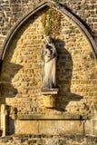 Välva sig på abbotskloster av Orval i Belgien Royaltyfria Bilder