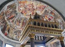 Välvd freskomålning i Rome Royaltyfri Foto