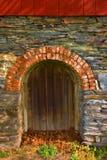 välvd portal Arkivbild