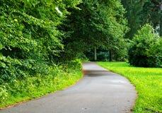 Vända för asfaltväg fotografering för bildbyråer