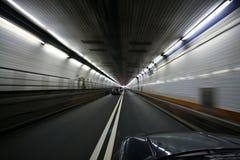vända för tunnel för bil rusa Royaltyfria Bilder