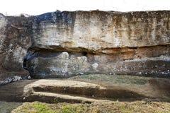 Vända mot av stupad moai Arkivfoto