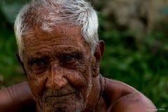 vänder gammalt mot Fotografering för Bildbyråer