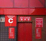 Vändkorsingång till det Kop för Liverppol fotbollklubba slutet Fotografering för Bildbyråer