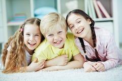 vänliga ungar royaltyfri fotografi