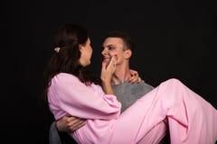 Vänner man och kvinnan Arkivfoto