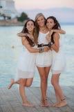 Vänner på ferie Fotografering för Bildbyråer