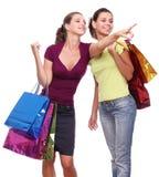 vänner som shoppar två Royaltyfri Fotografi