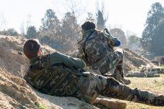 Vänta för Airsoft soldat Royaltyfri Bild