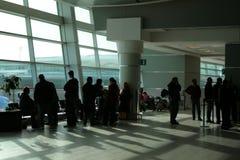vänta för flygplats royaltyfri bild