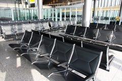 vänta för flygplatsvardagsrumlokal royaltyfria foton